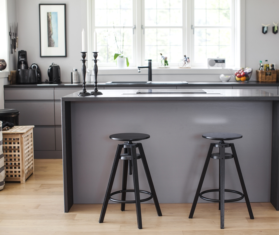 Pilkas virtuves komplektas